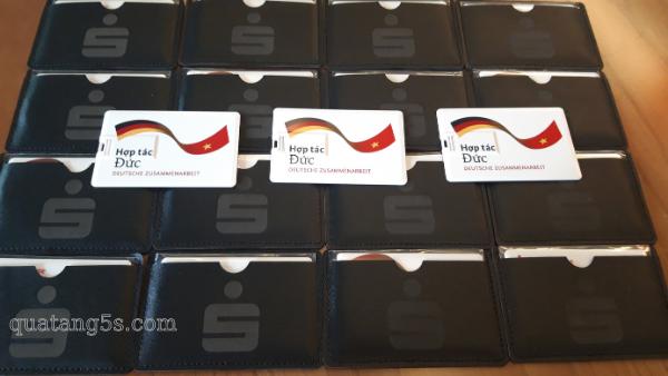 Quà Tặng Doanh Nghiệp USB Thẻ Nhựa – Hợp Tác Đức